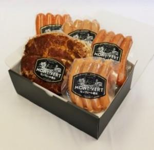 【送料込】贈答用 香草ステーキセット 自家製ソーセージ4種&ステーキ肉 【H-1】